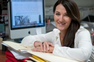 Kelly Carr '06 Receives Elite Journalism Fellowship