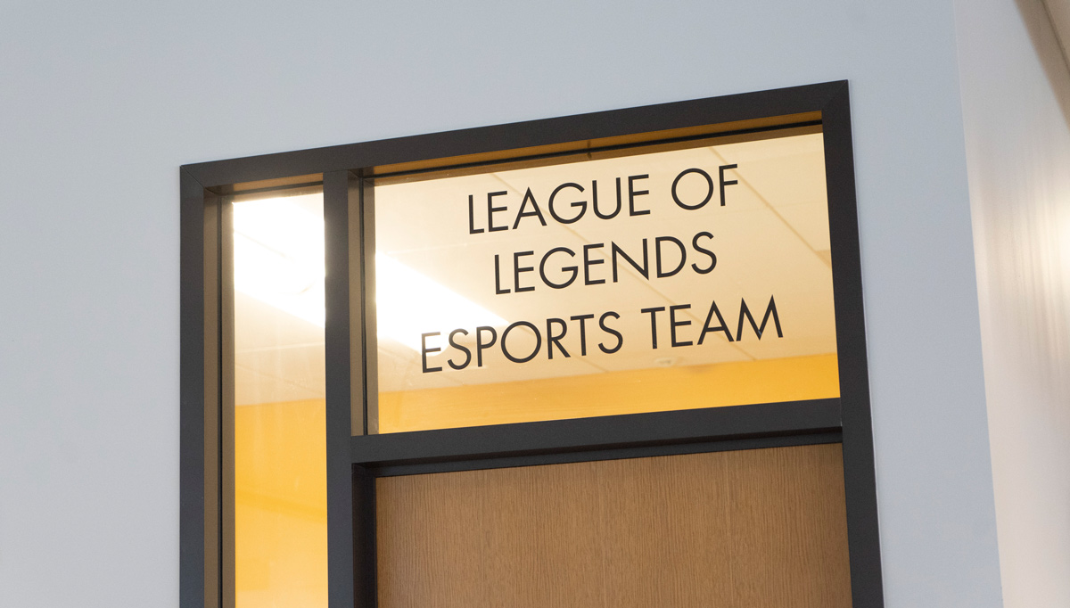 League of Legends gameroom